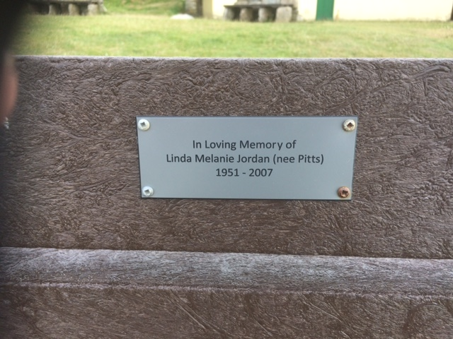 006 Plaque on Linda's bench Perranporth