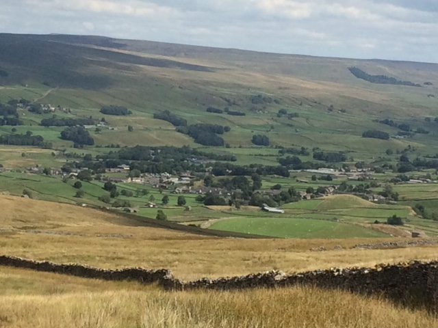 20180811 Descending towards Hawes from Ten End