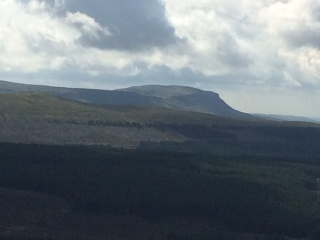 20180811 Pen-y-Ghent from Cam High Road