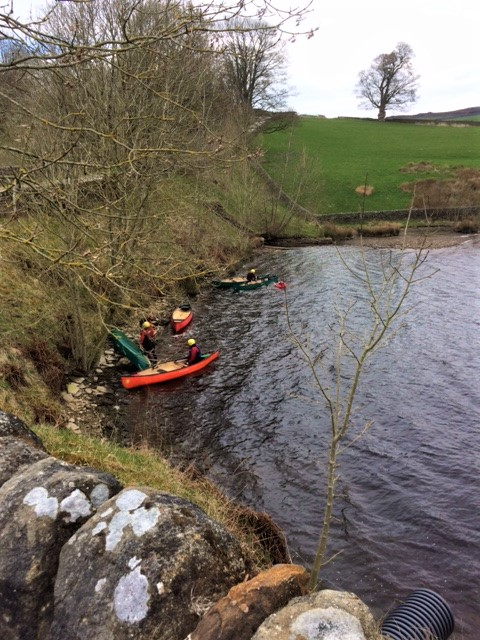 20190409 Canoe rescues in Ponden Reservoir