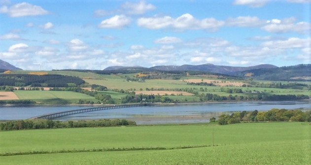 20190512 Approaching the Cromarty Bridge