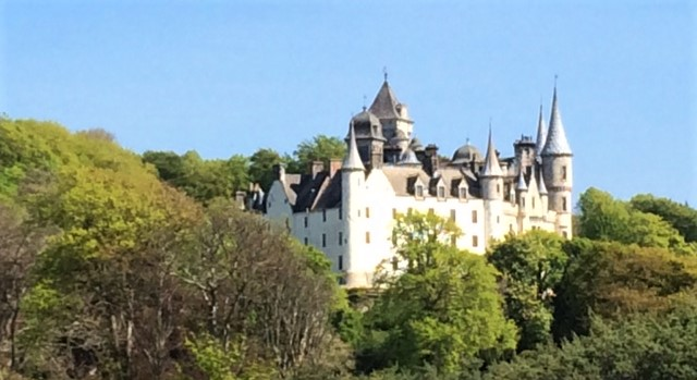 20190516 Dunrobin castle from the path