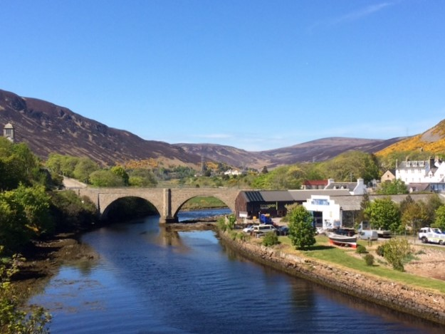 20190517 Looking up Helmsdale from the river bridge